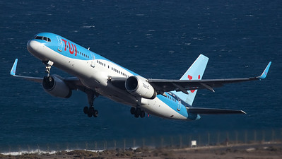 TUI Airlines UK Boeing B757-200 G-OOBF