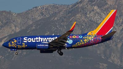 Southwest Boeing B737-700 N7816B