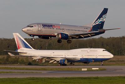 Smartavia / Boeing 737-505 / VP-BKV