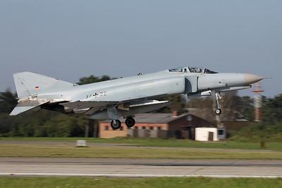 Germany - Air Force / McDonnell Douglas F-4F Phantom II / 37+22