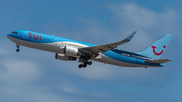 TUI Airways / Boeing B767-304(ER) / G-OBYG