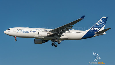 Airbus Industries / Airbus A330-203 / F-WWCB