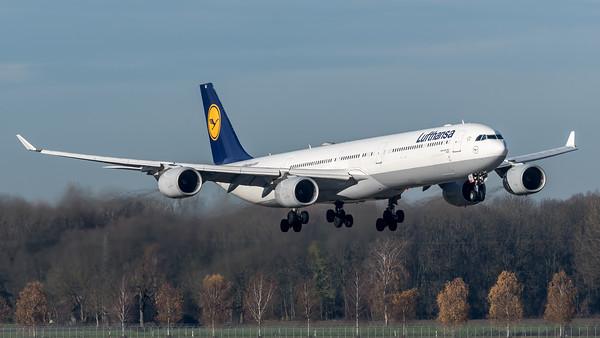 Lufthansa / Airbus A340-642 / D-AIHC