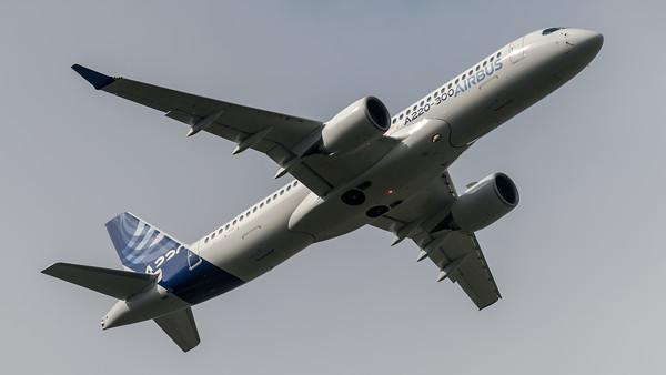 Airbus Industries / Airbus A220-300 / C-FFDO