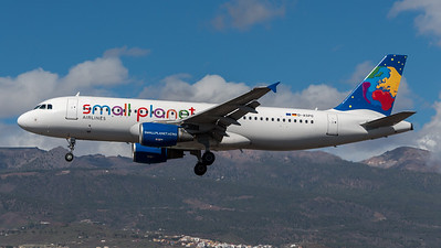 Small Planet / Airbus A320-214 / D-ASPG