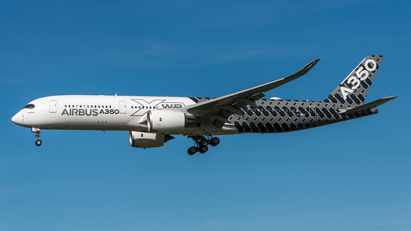 Airbus Industries / Airbus A350-941 / F-WWCF / Carbon Livery