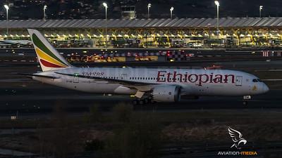 Ethiopian Dreamliner in front of T4 (Madrid)
