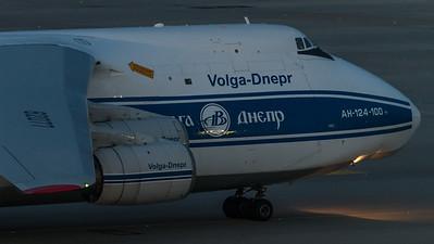 Volga-Dnepr / Antonow An-124-100 / RA-82077