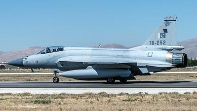 Pakistan Air Force 16 Squadron / Chengdu JF-17 Thunder / 18-252
