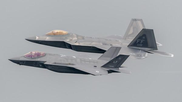 US Air Force / Lockheed Martin F-35A Lightning II & Lockheed Martin F-22A Raptor / LF 12-5042 & FF 09-0191