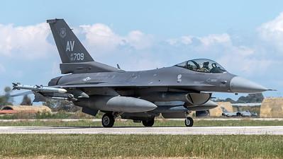 USAF 555 FS / Lockheed Martin F-16C-40 Fighting Falcon / 90-0700 AV