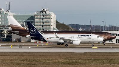 Lufthansa & Private / Airbus A320-214(WL) & Airbus A340-313X / D-AIWC & M-IABU