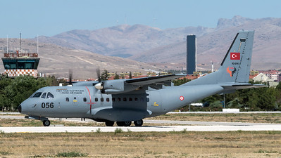 Turkish Air Force 135 Filo / CASA CN-235 / 92-056