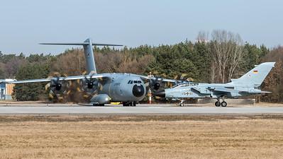 Luftwaffe / PANAVIA Tornado IDS & Airbus A400M / 45+61 & 54+19
