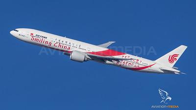Air China / Boeing B777-39L(ER) / B-2035 / Smiling China Livery