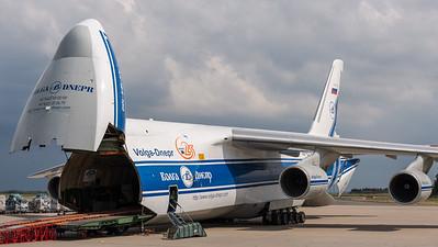 Volga-Dnepr / Antonov An-124-100 / RA-82081