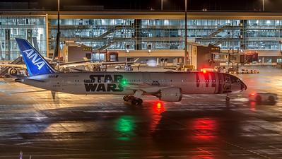ANA / Boeing B787-9 / JA873A / Star Wars R2D2 Livery