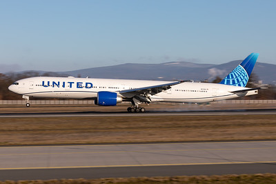 United Airlines new color scheme