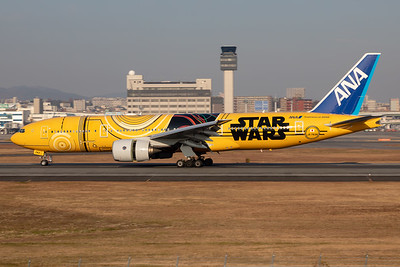 "All Nippon Airways (ANA) | Boeing 777-281(ER) | JA743A | ""Star Wars C-3PO"" special scheme"
