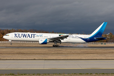 Kuwait Airways | Boeing 777-369ER | 9K-AOF