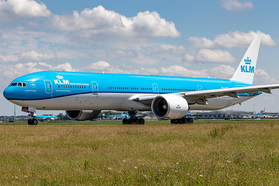 KLM / Boeing 77-300 / PH-BVG