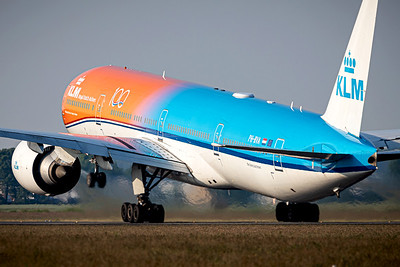 KLM / Boeing 777-300 / PH-BVA / Orange Pride