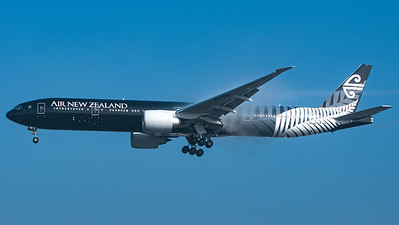 Air New Zealand (All Blacks livery) Boeing B777-300 ZK-OKQ