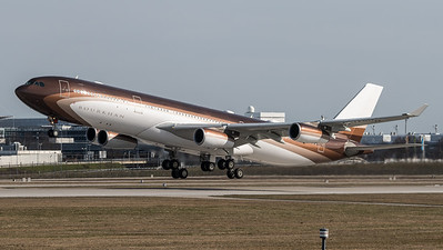 Private / Airbus A340-313X / M-IABU