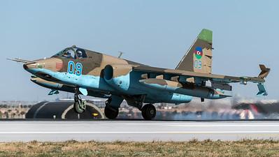 Azerbaijan Air Force / Sukhoi Su-25 Frogfoot / Blue 08