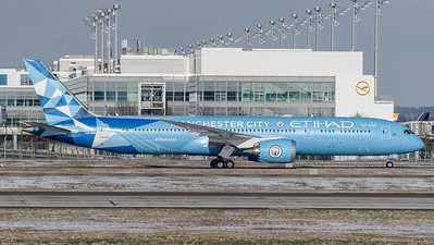 Etihad Airways / Boeing B787-9 Dreamliner / A6-BND / Manchester City Livery