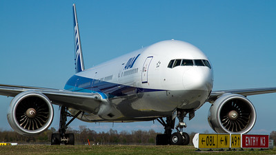 ANA All Nippon Airways / B777-300 / JA733A