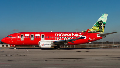 "Norwegian Air Shuttle / B737-300(WL) / LN-KKX / ""network norway"""