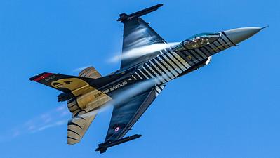 "Turkish Air Force / General Dynamics F-16C Fighting Falcon / 91-0011 / ""Solo Turk"""