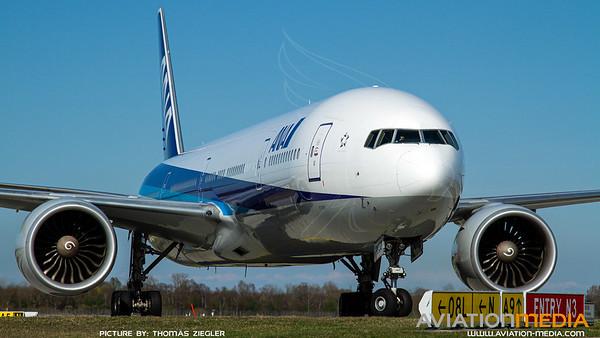 ANA All Nippon Airways / B777-300 / JA733A