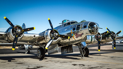 Commemorative Air Force - Sentimental Journey / Boeing B-17G Flying Fortress / N9323Z