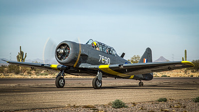 Commemorative Air Force / North American AT-6C Texan / N76BZ