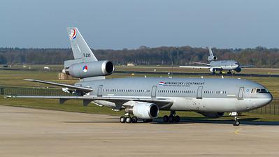 Royal Netherlands AF / McDonnell Douglas KDC-10 / T-235