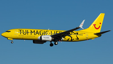"TUIfly / B737-800(WL) / D-ATUG / ""TUI Magic Life Hotel"""