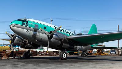 Buffalo Airways / Curtiss C-46D Commando / C-FAVO
