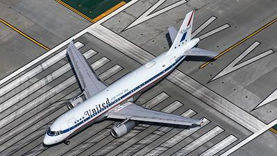 United Airlines / A320-200 / N475UA / Retro