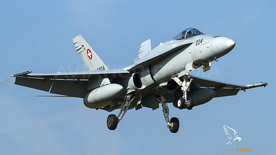 Swiss Air Force Hornet approaching Emmen