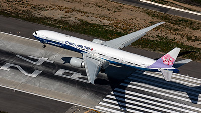 "China Airlines / B777-300 / B-18007 / ""Boeing House Colors"""