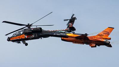 Royal Netherlands Air Force Demo Team / AH-64DN Apache & F-16AM Fighting Falcon / Q-19 & J-015