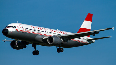 Austrian Airlines / A320-200 / OE-LBP / 50 Years Retro