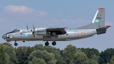 Romanian Air Force / Antonov An-30 / 1105