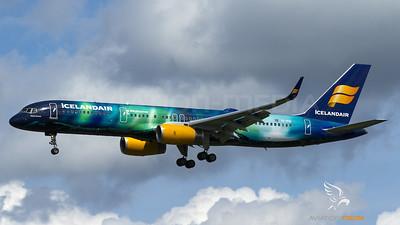 Hekla Aurora Icelandair Boeing 757