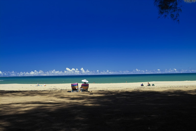 Kalihiwai Beach on a crowed day.