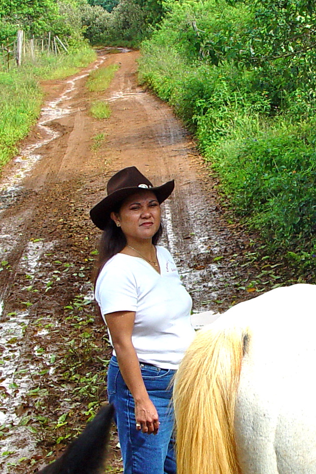 Friday, June 18, 2004: This was a special day. First we went horseback riding.  Our hostess was Leilani Rivera Bond, a legendary Kaua'i singer and hula teacher.  Second, we went to the Pahio presentation and bought our first timeshare at Kauai Beach Villas.  The rest, as they say, is history.