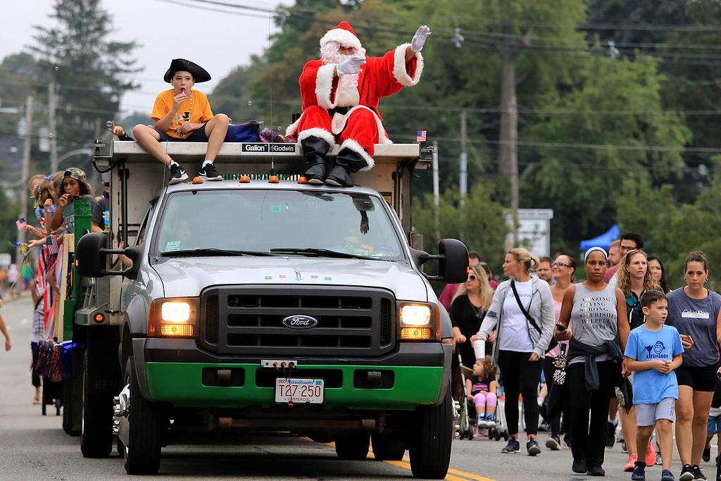 . Participating in the Billerica Yankee Doodle Homecoming Parade on Saturday, September 15, 2018 is Santa on the Kennedy Elementary School float. SUN/JOHN LOVE