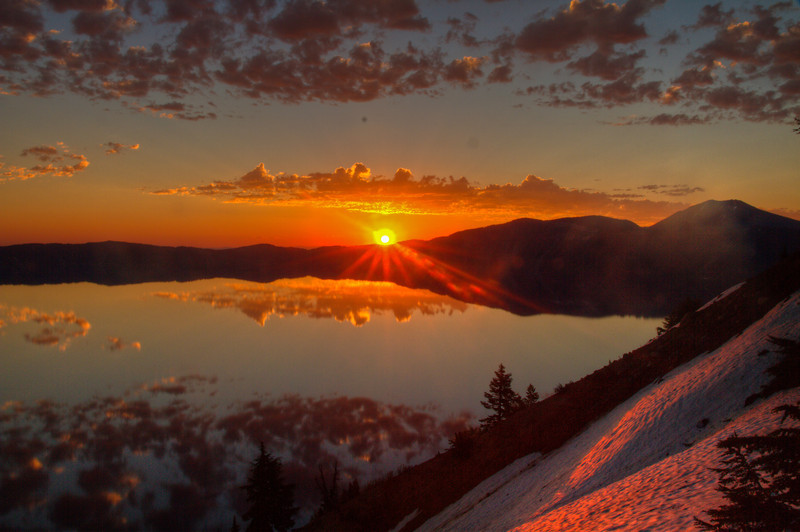 4198 Sunrise over Crater Lake, Oregon